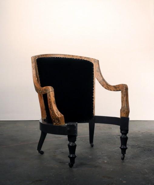 Travail en cours - Création à partir de la carcasse d'un fauteuil crapaud par Marie Cocquerelle - On Est Bien Assis Là